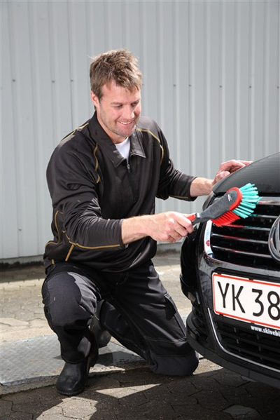 Ergonomický ruční kartáč pro mytí vozidel 320mm Vikan